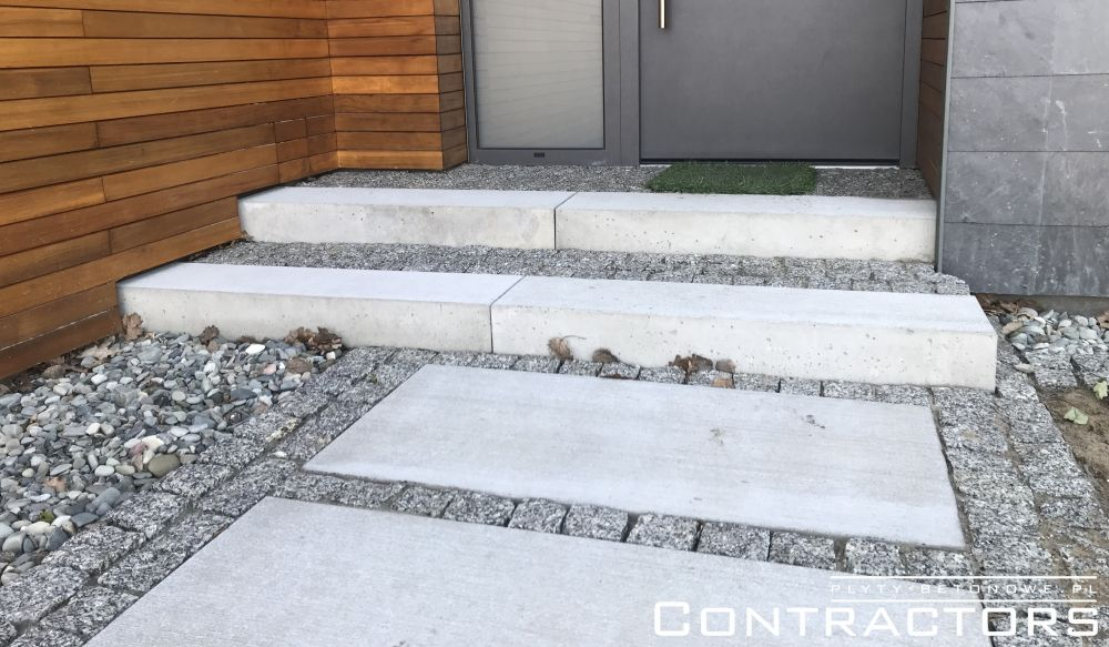 Garden slabs and steps made of architectural concrete