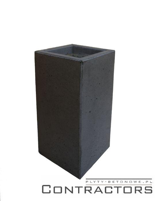 duża donica z betonu